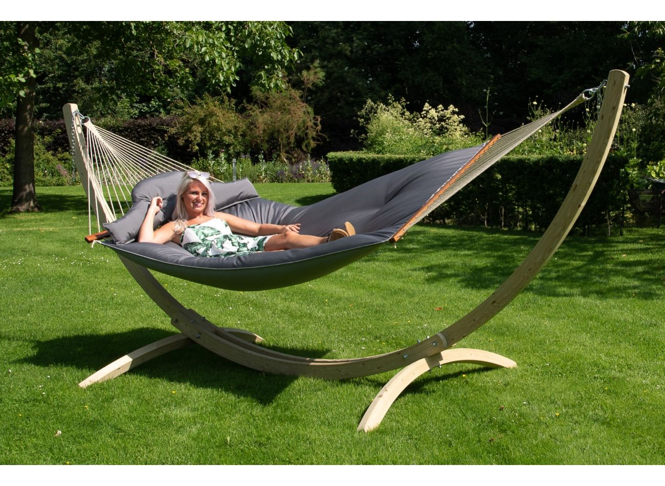 Hammock with Family Stand Wood & Big Fat Grey