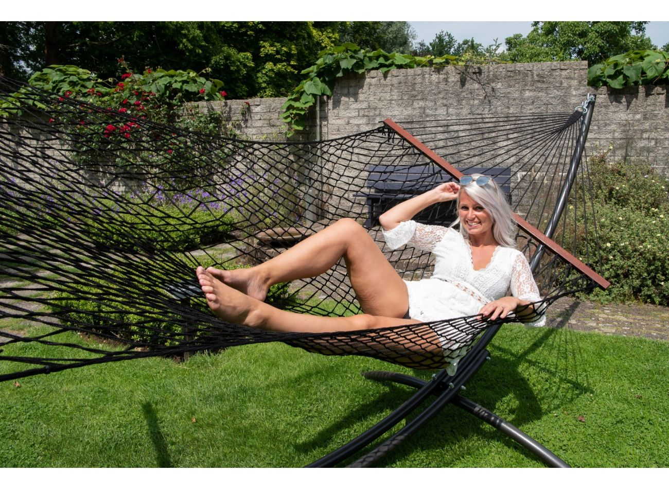 Hammock with Family Stand Arc & Rope Black